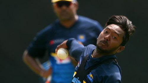 श्रीलंकाई टीम में अकिला धनंजय की हुई वापसी, आईसीसी ने लगाया था प्रतिबंध