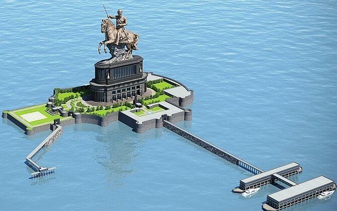 रुका रहेगा मुंबई में शिवाजी की मूर्ति का निर्माण कार्य, जल्द सुनवाई को तैयार नहीं कोर्ट