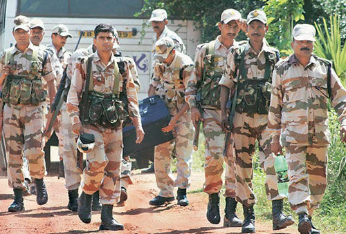 जम्मू : सरकार ने अर्धसैनिक बलों की 100 कंपनियां श्रीनगर भेजीं