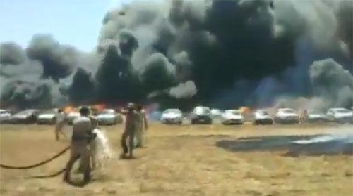 एयरो इंडिया शो की पार्किंग में आग, 200 से ज्यादा वाहन जले