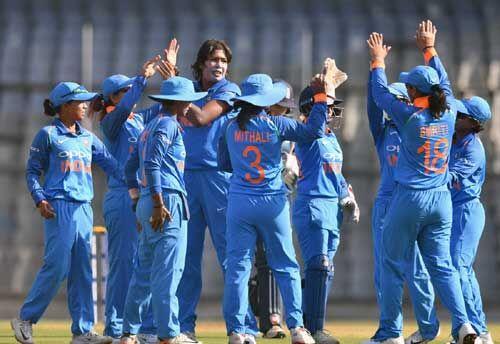 महिला क्रिकेट: भारत ने दूसरे एकदिनी में इंग्लैंड को 7 विकेट से हराया, श्रृंखला में ली अपराजेय बढ़त