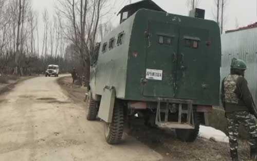 शोपियां में सुरक्षा बलों ने मुठभेड़ में दो आतंकवादी मार गिराए
