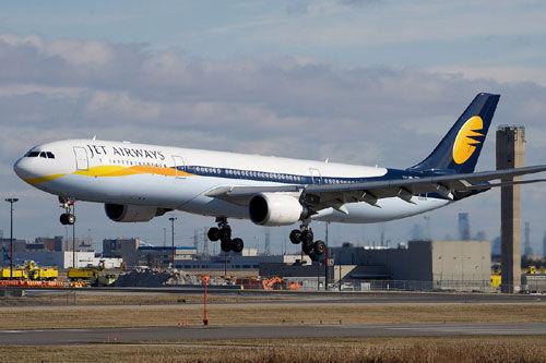 जेट एयरवेज का संकट और गहराया, शेयरों में भी गिरावट