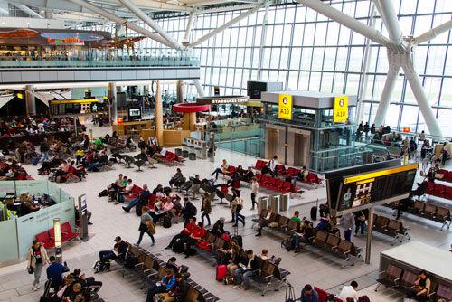 लंदन के एयरपोर्ट और रेलवे स्टेशन पर मिले तीन संदिग्ध बैग, जांच में जुटी पुलिस