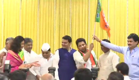 महाराष्ट्र में कांग्रेस को तगड़ा झटका, सुजय विखे पाटील भाजपा में हुए शामिल