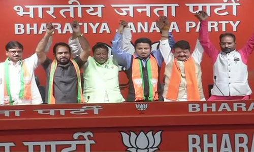 तृणमूल सांसद अनुपम हाजरा समेत कांग्रेस और माकपा के दो विधायक भाजपा में शामिल