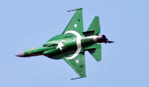 पाकिस्तान ने जेएफ-17 लड़ाकू विमान से स्मार्ट हथियार का किया परीक्षण