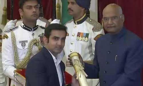 राष्ट्रपति ने तीजन बाई, मनोज बाजपेयी, गौतम गंभीर और देवेन्द्र स्वरूप सहित 54 को दिए पद्म पुरस्कार
