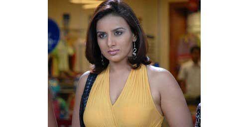 होटल का बिल नहीं चुकाने पर अभिनेत्री पूजा गांधी के खिलाफ केस दर्ज