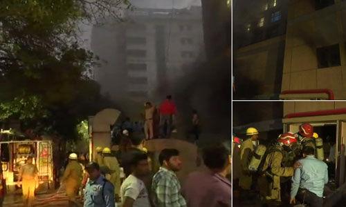 दिल्ली : एम्स के ट्रॉमा सेेंटर के ऑपरेशन थियेटर में लगी आग, 24 गांड़ियों ने आग पर पाया काबू