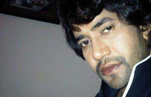 उत्तर प्रदेश: भोजपुरी गायक और अभिनेता निरहुआ भाजपा में शामिल