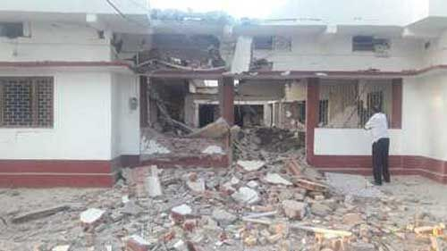 भाजपा के वरिष्ठ नेता पूर्व विधान पार्षद के घर को नक्सलियों ने विस्फोट कर उड़ाया