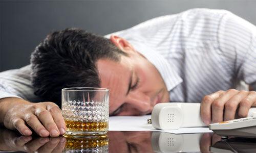 नशे की हालत में कार्यस्थल पर काम करना गंभीर अपराध : सुप्रीम कोर्ट