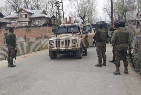 जम्मू-कश्मीर : बडगाम मुठभेड़ में दो आतंकी ढ़ेर, पांच जवान घायल