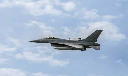 रूसी बमवर्षक विमानों को ब्रिटेन ने खदेड़ा