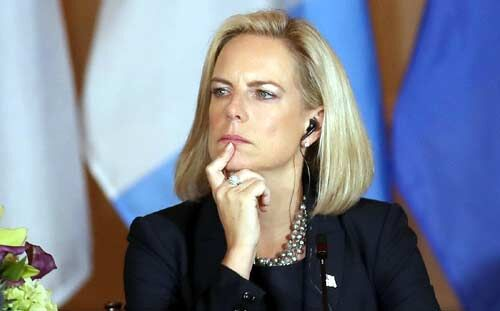 अमेरिका की गृह सचिव नीलसन का इस्तीफा
