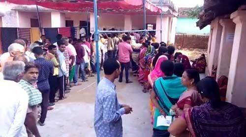 ओडिशा : पहले चरण में लोकसभा की चार और विधानसभा की 28 सीटों के लिए हो रही वोटिंग
