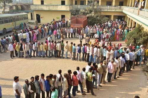 #LoksabhaElection Second Phase : 12 राज्यों की 95 सीटों के उम्मीदवारों का भाग्य ईवीएम मशीन में कैद