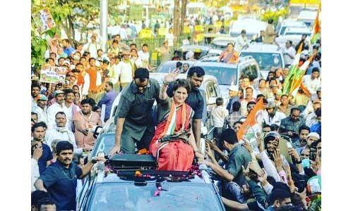 देश की सुरक्षा व संविधान बचाने के लिए है इस बार का चुनाव : प्रियंका वाड्रा