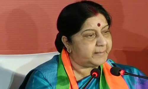 श्रीलंका में सीरियल बम ब्लास्ट के बाद हालात पर नजर बनाए हुए है भारत : सुषमा स्वराज