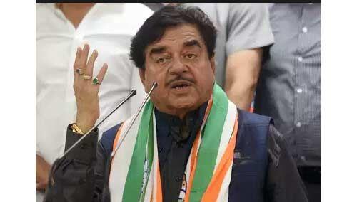 बिहारी बाबू कांग्रेस नेताओं का मुम्बई में कर रहे प्रचार, बेटा संभाल रहा है पटना की कमान