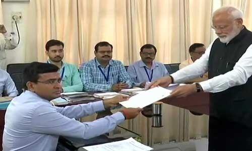 प्रधानमंत्री नरेन्द्र मोदी ने काल भैरव दरबार में हाजिरी के बाद किया नामांकन दाखिल