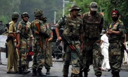सोपोर में सुरक्षा बलों ने घेर कर दो आतंकी किये ढ़ेर