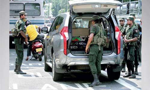 तीन धमाकों से फिर दहला श्रीलंका, आतंकियों के बांग्ला में जारी मैसेज से प. बंगाल में हाई अलर्ट