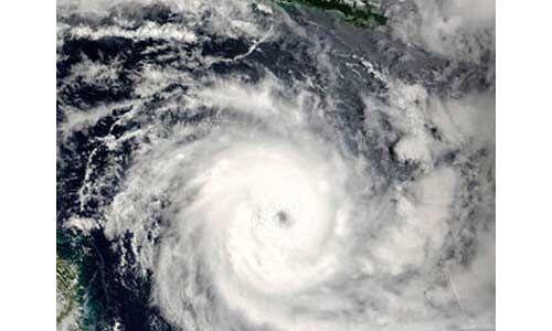 फेनी तूफान से प्रधानमंत्री चिंतित, दिए सुरक्षात्मक कदम उठाने के निर्देश