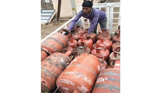 149 रुपये तक बढ़ गए गैर सब्सिडी वाले घरेलू गैस सिलेंडर के दाम