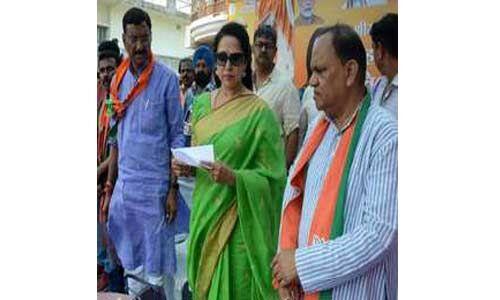 आप रांची में संजय सेठ को जिताएंगें तो नरेंद्र मोदी ही जीतेंगे और दोबारा प्रधानमंत्री बनेंगे : हेमा मालिनी