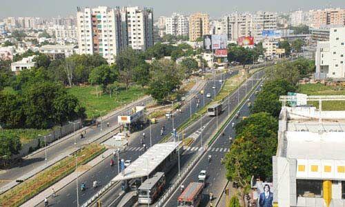 गुजरात में अब सभी दुकानें, होटल और मल्टीप्लेक्स 24 घंटे खुले रहेंगे