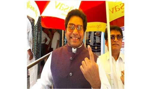 मध्यप्रदेश में मतदान को लेकर भारी उत्साह, फिल्म अभिनेता आशुतोष राणा ने डाला वोट