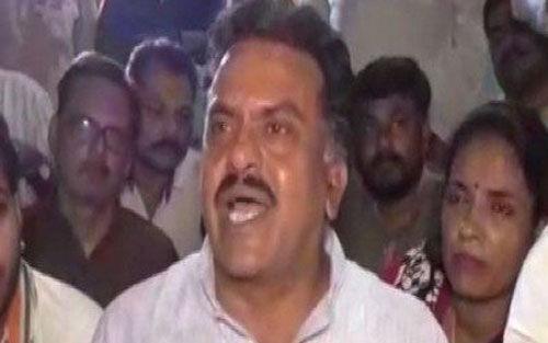 वाराणसी में कांग्रेस नेता ने पीएम मोदी पर की यह टिप्पणी, जानें
