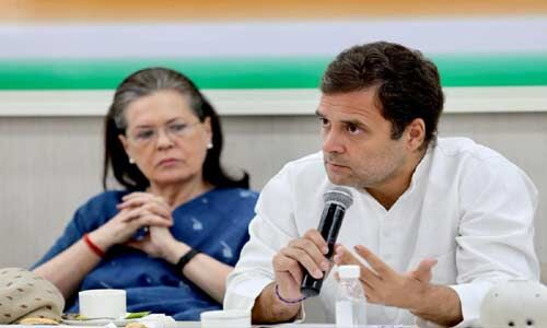 कांग्रेसी मुख्यमंत्रियों ने दिखाई राहुल के प्रति एकजुटता