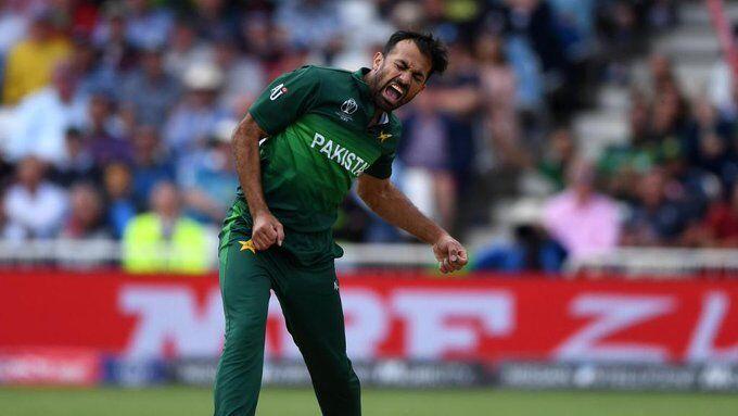 पाक ने इंग्लैंड को 15 रनों से हराया