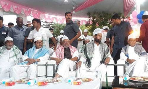 पासवान की इफ्तार पार्टी में शामिल हुए नीतीश-मोदी