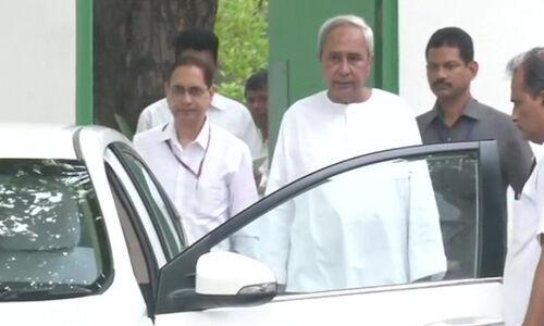 ओडिशा सीएम ने पीएम से की मुलाकात, विशेष राज्य के दर्जा की माँग