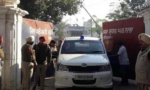 पंजाब : नाभा जेल में कैदी की हत्या, 3 जेलकर्मियों को हटाया, अलर्ट घोषित