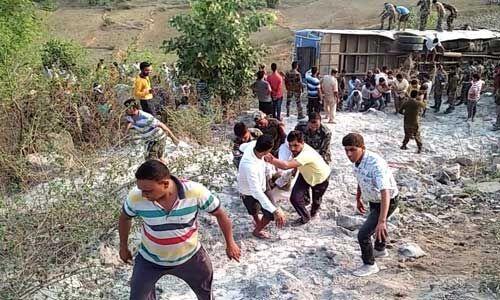 झारखंड के गढ़वा में बड़ा सड़क हादसा, 6 लोगों की मौत, 39 लोग घायल