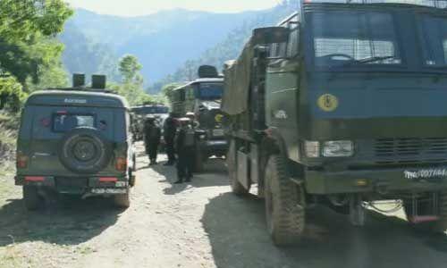 त्राल में सुरक्षाबलों के साथ मुठभेड़ में एक आतंकी ढेर, सर्च ऑपरेशन जारी