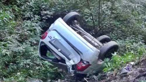 मलारी के पास खाई में गिरी कार, 5 लोगों की मौत