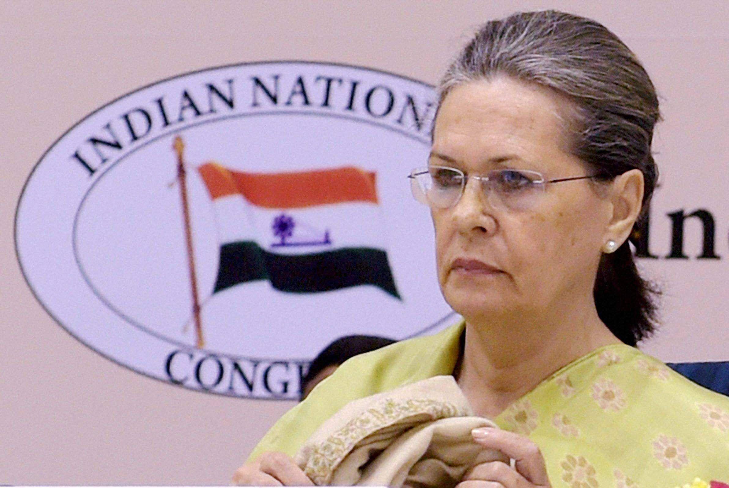 क्या 2004 की बुनियादी गलती फिर दोहराया रही है सोनिया गांधी ?