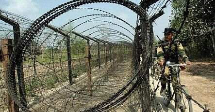 केंद्र ने पश्चिम बंगाल और पंजाब में बढ़ाया बीएसएफ का अधिकार क्षेत्र, TMC और कांग्रेस ने किया विरोध