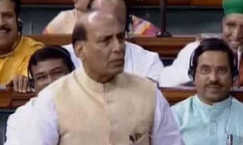 राजनाथ बोले - राहुल के बाद ही इस्तीफों का दौर, सरकार गिराने का आरोप गलत