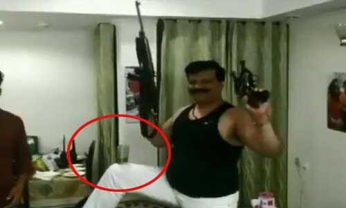 भाजपा विधायक ने इस गाने पर थिरके, देखें वीडियो