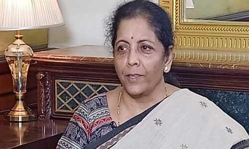 केजरीवाल हर चीज के लिए प्रधानमंत्री नरेन्द्र मोदी को जिम्मेदार ठहराते : सीतारमण