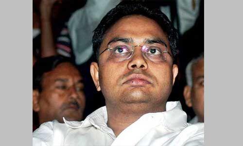 आनंद कुमार पर आईटी ने कसा शिकंजा, 400 करोड़ की प्रॉपर्टी जब्त