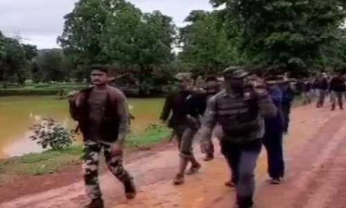 पुलिस नक्सली मुठभेड़ में सात नक्सली ढेर, तीन जवान घायल