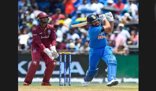 टी-20 में सर्वाधिक छक्के लगाने वाले बल्लेबाज बने रोहित